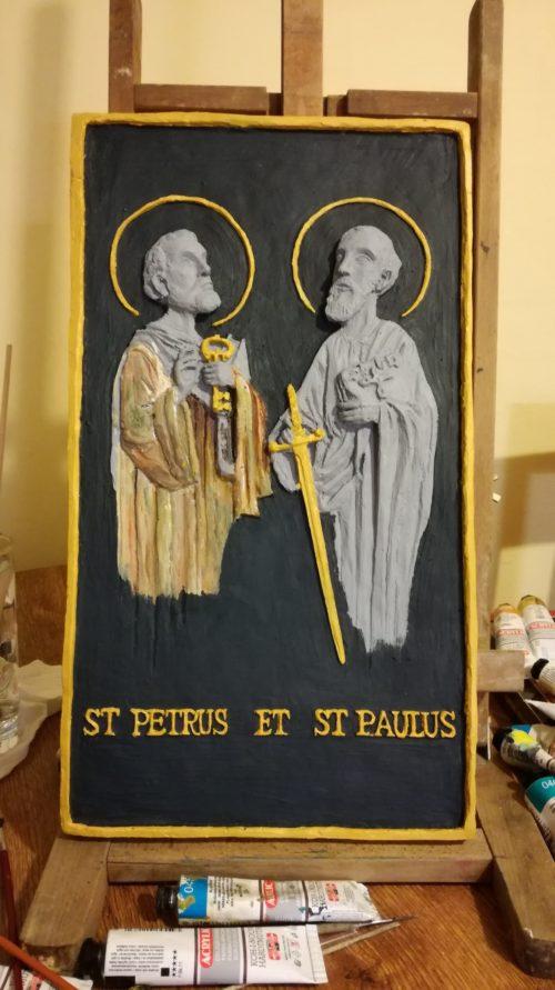 Reliéf sv. Petra a Pavla od Valerie Larišové